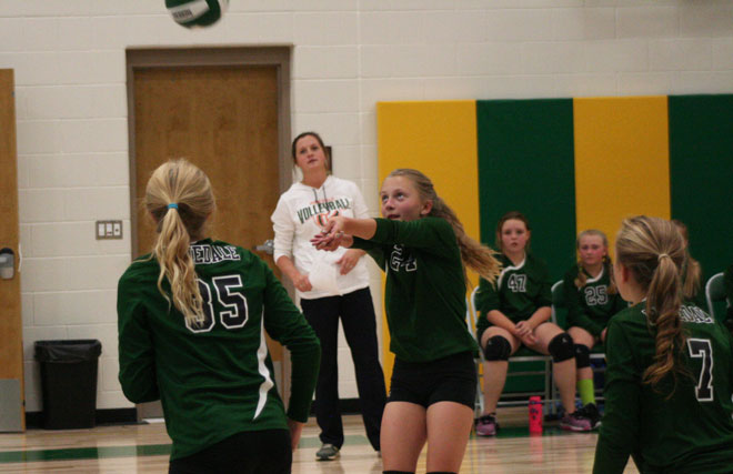 Farson Middle School Volleyball Plays Against Pinedale at Home