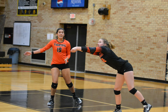 RSHS Tigers Volleyball Sweeps Jackson Hole Broncs