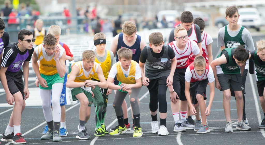 Lincoln Middle School Hosts Track and Field Invitational [PHOTOS]