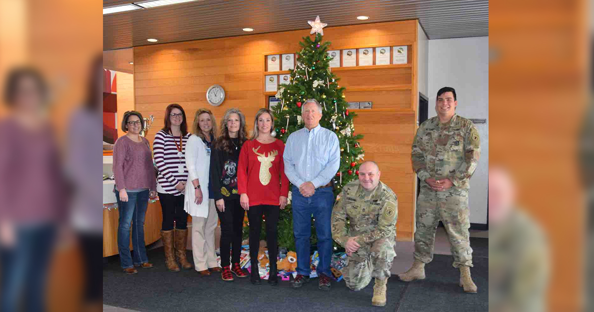 RS Army Recruiting Station Makes Donation