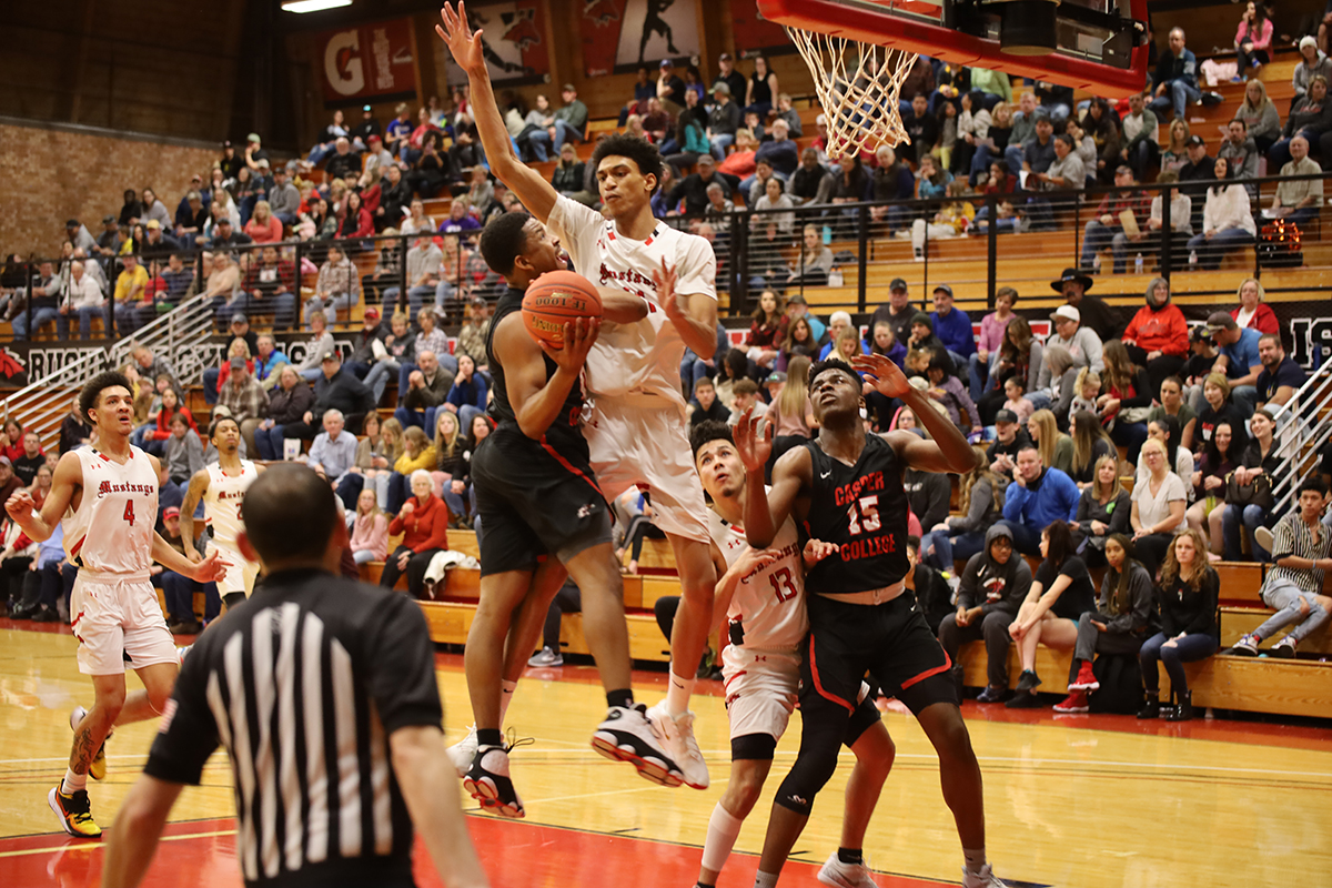Mustangs Cap Homecoming Weekend with Thrilling Buzzer Beater Over Casper College