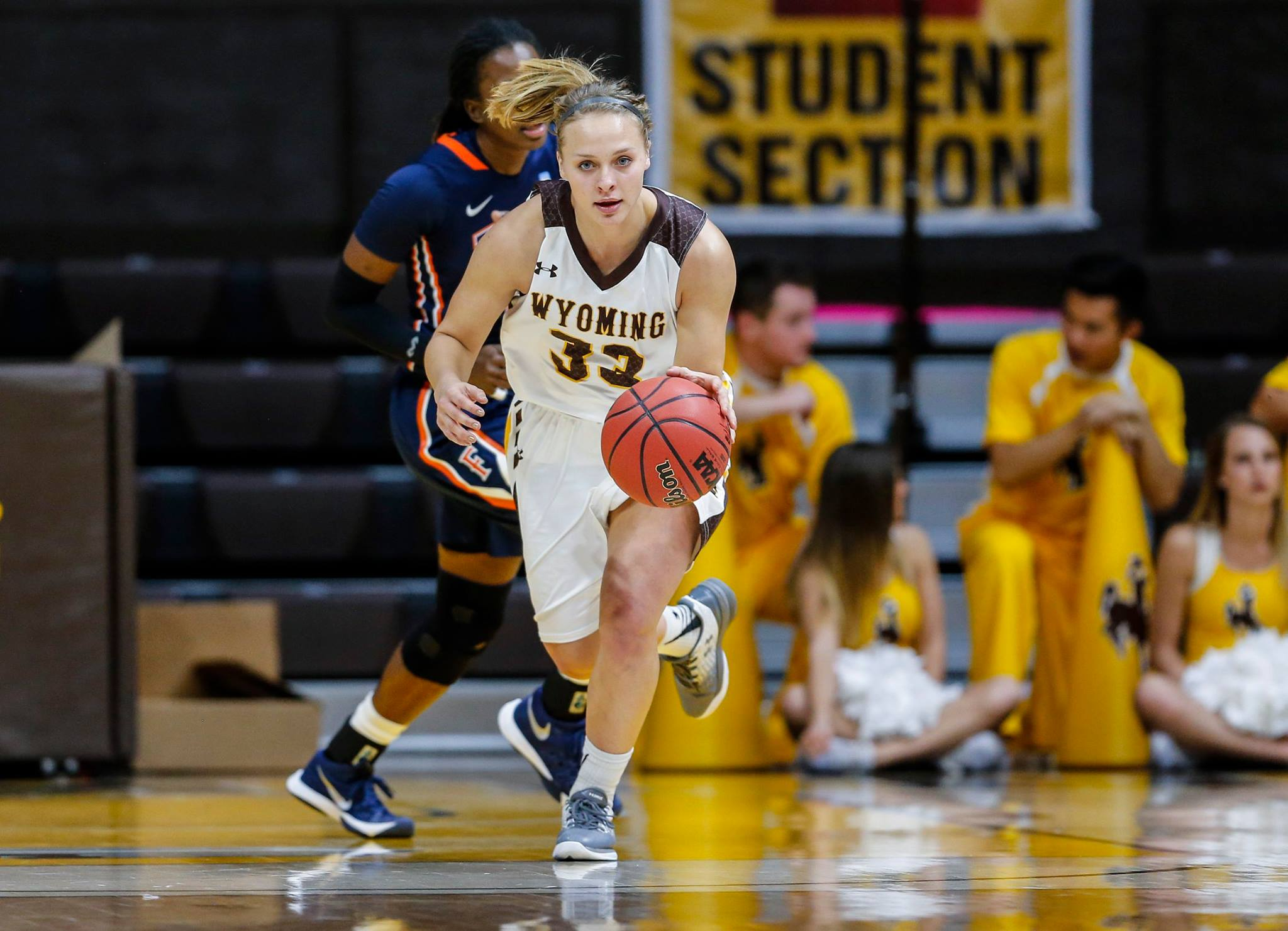 Cowgirls Knock Off League-Leading Rams