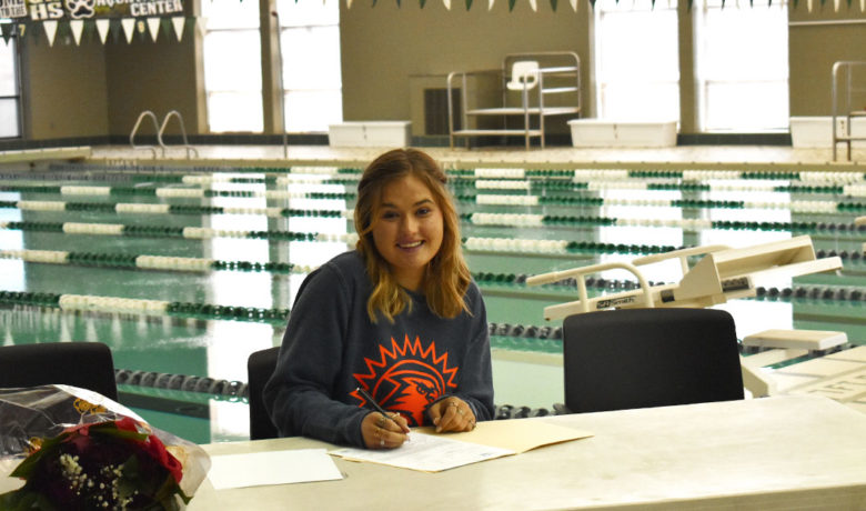 Green River's Lee Signs with Fresno Pacific Swim