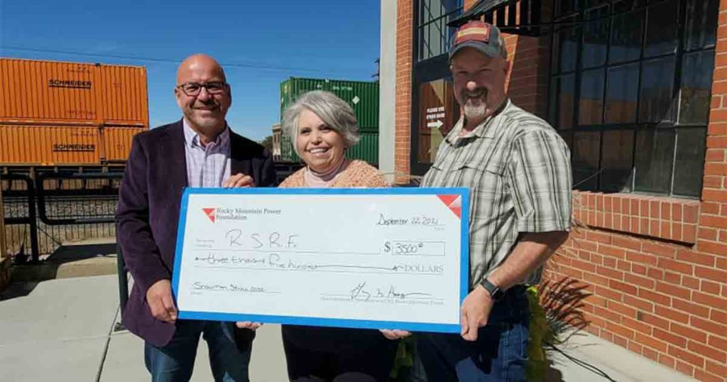 Rocky Mountain Power Donates $3,500 to Snowman Stroll Event