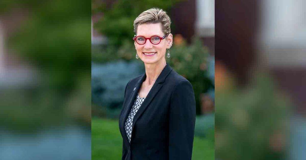 Marlene Tromp Named One of UW's Distinguished Alumni
